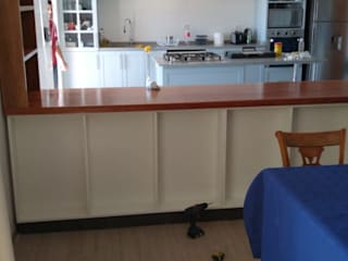 Casa Camus Cocinas de estilo moderno de ATELIER3 Moderno