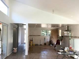Casa IG Cocinas de estilo clásico de ATELIER3 Clásico
