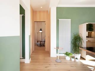 Marianna Porcellato Porvett Eclectic style corridor, hallway & stairs Wood Green