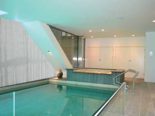 Ristrutturazione di lusso immobile residenziale - Londra Piscina moderna di The Green H LLP Moderno