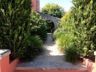 Family Garden - Cascais Jardins mediterrânicos por Clara Guedes - Garden Design Mediterrânico