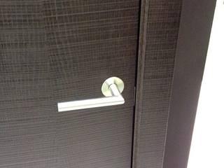 Puxador para portas interiores por Beiramadeiras Decor Representações Lda. Moderno