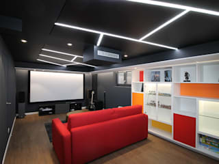 Modern style media rooms by Agence ADI-HOME Modern
