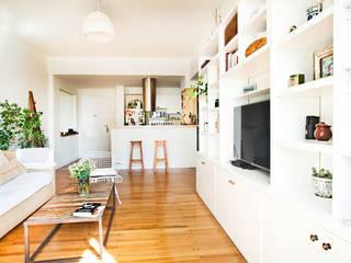 Reforma de un departamento Livings modernos: Ideas, imágenes y decoración de Ba75 Atelier de Arquitectura Moderno