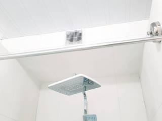 Bagno moderno di Прямой Угол Moderno