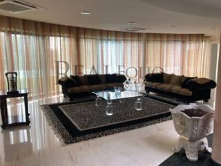 Moradia exclusiva em condomínio de Luxo em Óbidos Salas de estar modernas por Realfolio Estate Moderno