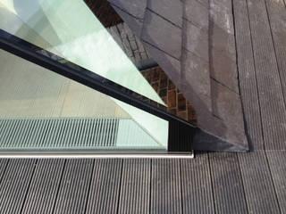 White Grounds by Guarnieri Architects Modern