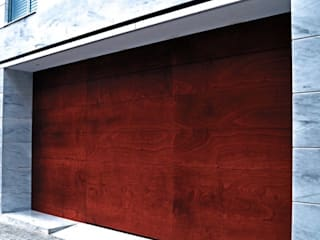 FustHabitat Garage Doors Wood effect