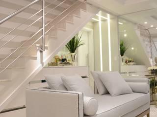 Living luxuoso Salas de estar modernas por marli lima designer de interiores Moderno