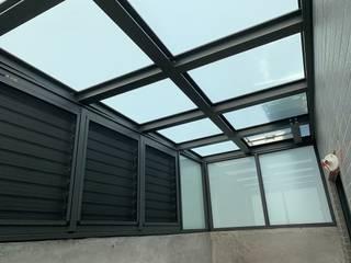 後院玻璃屋:HOYA電動百葉+玻璃採光罩 根據 HOYA 電動百葉窗 《 晟弈有限公司 》