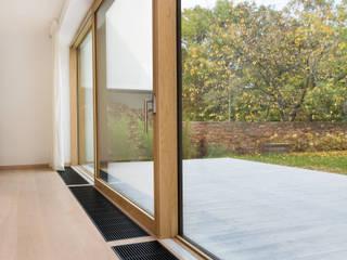 TotalGlass - szkło bez granic od PPUH PINUS Nowoczesny