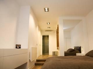 Dormitorio suite Dormitorios de estilo minimalista de Renova-T Minimalista