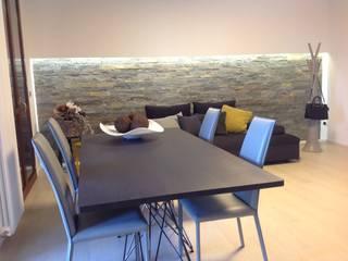 Casa G Sala da pranzo moderna di SIMONETTA ARREDA Moderno