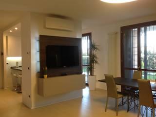 Casa G Soggiorno moderno di SIMONETTA ARREDA Moderno