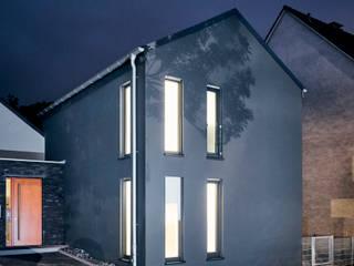 Tiny House in Bochum Moderne Esszimmer von architektur anders Modern