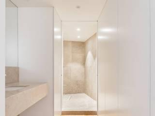 Plurirochas Lda. Eclectic style bathroom Stone Beige