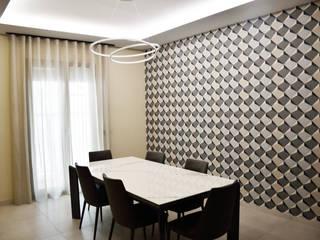 Casa M -M Sala da pranzo moderna di EthosLab Moderno