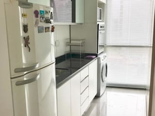 D4-Arquitectos Small kitchens Glass White