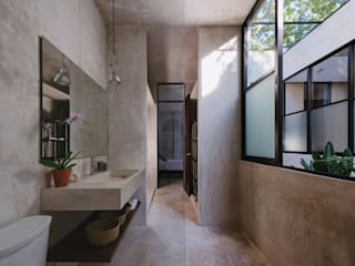 Moderne badkamers van Taller Estilo Arquitectura Modern