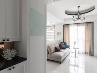 高雄 民生香榭 祝宅 經典風格的走廊,走廊和樓梯 根據 綺瑞室內裝修設計工程有限公司 古典風
