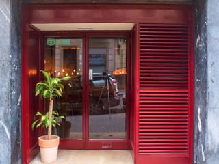 Restaurante Taitu Comedores de estilo tropical de Estudio Haya Tropical