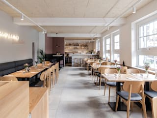 Cavallino Spaghettaro Moderne Gastronomie von Studio DLF Modern