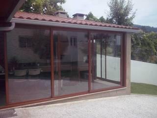 Cozinha de Campo Janelas e portas campestres por DSG ALUMÍNIOS, LDA. Campestre