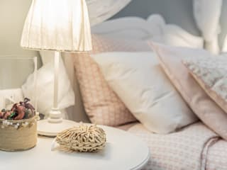 Borgonuovo Apartments _ The Pink One Camera da letto in stile classico di Biondi Architetti Classico