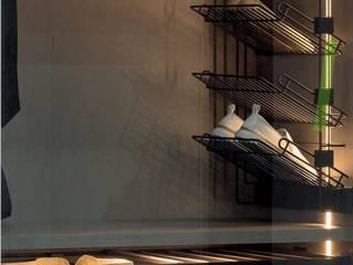Cocinas y ARMARIOS Nicole BedroomWardrobes & closets Chipboard
