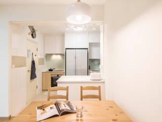 Project : Blk 502B Yishun Street 51 #05-4xx Asian style dining room by E modern Interior Design Asian