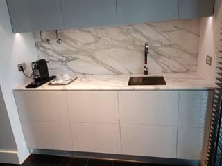 Plurirochas Lda. Built-in kitchens Stone White
