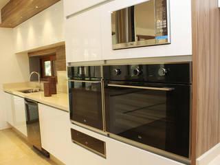 Cocina moderna de ARH DISEÑOS SA DE CV Moderno