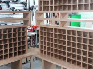 Cava de Vinos Muebles Sobre Diseño CocinaAlmacenamiento y despensa