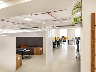 Corporate office in Spaze Business Park, Gurgaon Minimalist offices & stores by Stonehenge Designs Minimalist