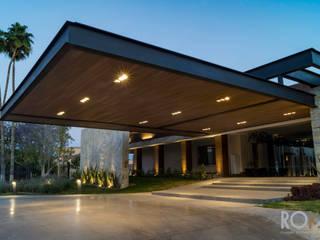 Club Campestre Torreón Espacios comerciales de estilo moderno de Roka Home Store Moderno