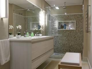 Tikkanen arquitetura Ванна кімната
