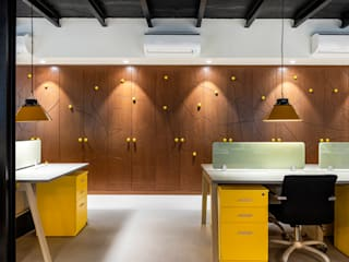 Boutique Office in Sector 17, Gurgaon Minimalist study/office by Stonehenge Designs Minimalist