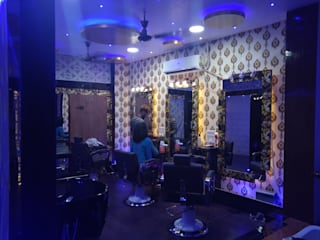 V glam Lotus Spa Rajajipuram Lucknow: modern  by GREEN FERN INTERIOR,Modern