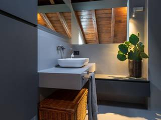 Resinatura pavimento cucina /bagno / balcone Marenghi Mario FINITORE CREATIVO BagnoRipiani