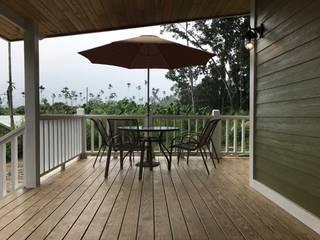 嘉義-王公館 居林木構建築|木屋設計|木屋建造|木屋保養|整體規劃設計營建|歡迎email聯繫 陽台 實木 Brown