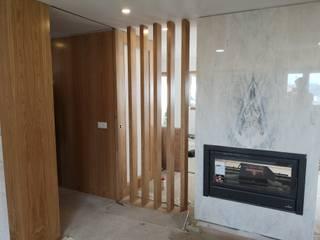 Carpintaria Mário Costa mobiliário Corredor, hall e escadasAcessórios e decoração Madeira Acabamento em madeira