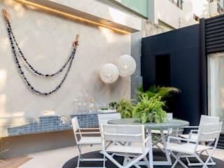 Outdoor Furniture Modern balcony, veranda & terrace by Sunbrella Modern