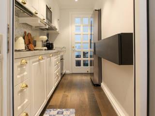 Căn hộ Vista Verde - Quận 2 (bàn giao chìa khoá trao tay) CÔNG TY TNHH TRƯỜNG THẮNG Tủ bếp Gỗ White