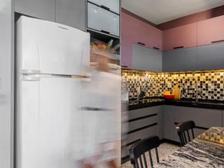 Modern style kitchen by Coletânea Arquitetos Modern