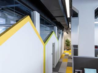 Офис MANGO Telecom Офисы и магазины в стиле модерн от MEMarch Модерн