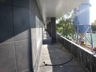 """Residencia de Mayores """"El Balcón"""". de JARDINES ADAL"""