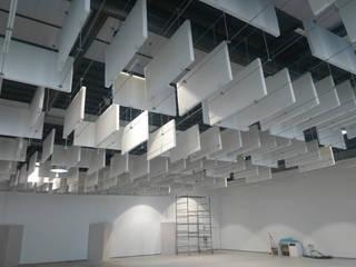 Correzione Acustica - SINTHERM FR SOUND CONTROL Sala multimediale in stile industriale di Manifattura Maiano spa Industrial