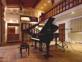 Correzione Acustica - SINTHERM FR SOUND CONTROL Sala multimediale in stile rustico di Manifattura Maiano spa Rustico