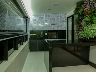 Hall de entrada integrada ao living, sala de jantar e varandas Rubiana teixeira Barbosa ME Varandas Azulejo Azul