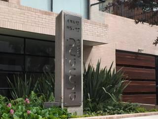 Edificio Almarú Chicó Casas modernas de V&V Arquitectos SAS Moderno